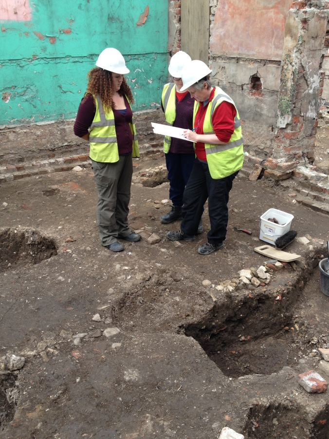 Recording a 19th century pit cut.